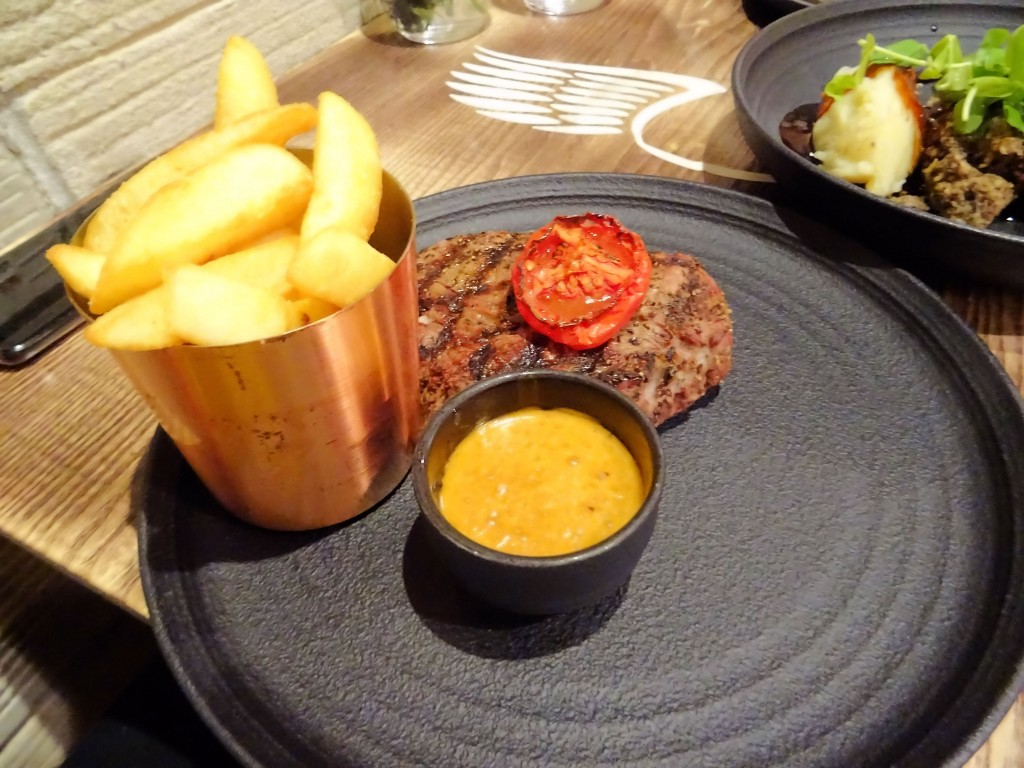 Steak mit French Fries